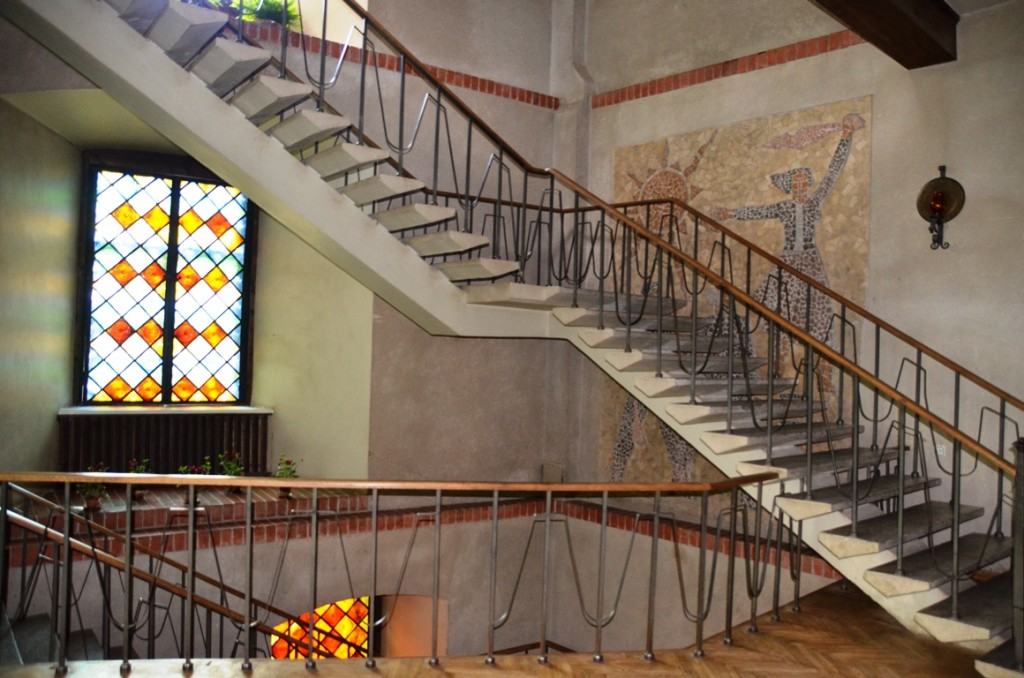 Communistisch mozaiek in kasteel Jaunpils in Letland