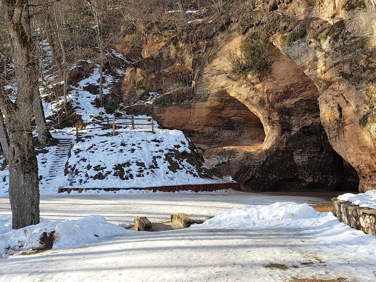 gutmanis grot in letland